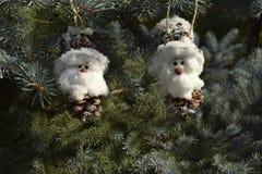 Noël joue sous forme de gnome et de maison Image stock