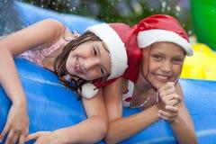 Noël par la piscine Photographie stock libre de droits
