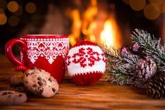 Noël près de cheminée Photographie stock
