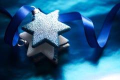 Noël tient le premier rôle le fond de scène Images libres de droits