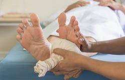 Nożne masaż stare kobiety obraz royalty free