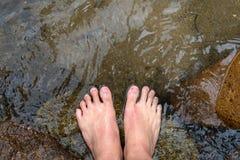 Nożny namok w wodzie obrazy stock
