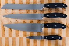 Nożowy Ustawiający na Tnącej desce 2 Zdjęcia Stock