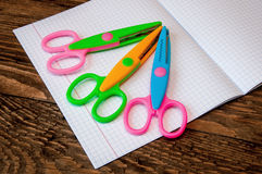 Nożyce i notatnik Fotografia Royalty Free