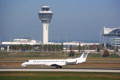 No aeroporto Imagens de Stock Royalty Free