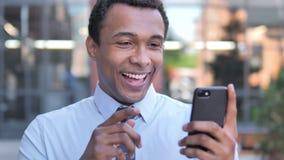 No! no!, Afrykański biznesmen Zaskakujący na Smartphone zbiory