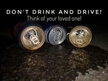 No beba y no conduzca el dise?o del lema para la medida de seguridad en el camino, cosa de su seguridad fotografía de archivo