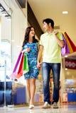 No centro de compra Imagens de Stock