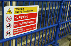 No cycling no rollerblading sign Royalty Free Stock Photos