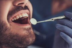 No dentista fotografia de stock royalty free