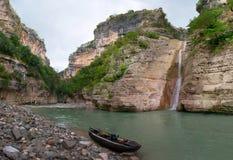No desfiladeiro do rio de Osum, Albânia Imagem de Stock