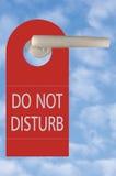 No disturbe la etiqueta en la maneta sobre el cielo Fotografía de archivo libre de regalías