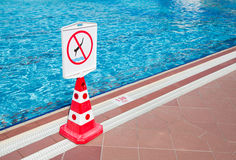No diving  prohibition sign Royalty Free Stock Photography