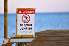 No diving warning sign Royalty Free Stock Photography