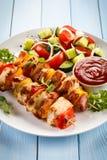 No espeto - carne e vegetais grelhados Foto de Stock Royalty Free