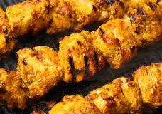No espeto indianos de Tikka da galinha Foto de Stock