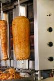 No espeto turco do doner em um restaurante em Malaga Fotografia de Stock