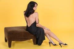 No está ella bastante en ropa interior negra. Imagen de archivo libre de regalías