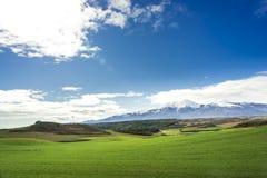 No fundo o pico do parque natural II de Moncayo fotografia de stock royalty free