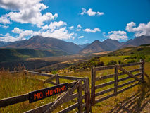 Free No Hunting Sign Stock Photo - 28336910