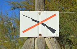 No Hunting Sign - Picture Of A Rifle Gun Stock Photo