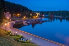 No lago na noite Fotos de Stock Royalty Free