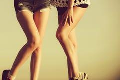 _ Nożna opieka nogi seksowne kobiety w lecie Fotografia Royalty Free