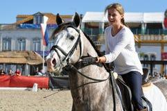 NO! NO! dziewczyny jeździecki koń Zdjęcia Royalty Free
