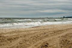 No outono o mar. Imagens de Stock