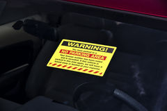 Free No Parking Warning Sign On A Windshield Royalty Free Stock Photo - 74016685