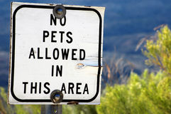 No Pets Allowed. Sign prohibiting pets found in local park royalty free stock images