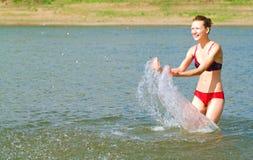 No rio em um dia quente Imagens de Stock Royalty Free