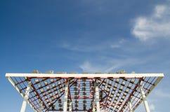 No telhado da construção Imagens de Stock Royalty Free