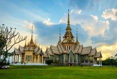 No templo de Kum en la provincia o Korat, Tailandia de Nakhon Ratcashia Imagen de archivo