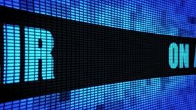 No texto lateral do ar que enrola a placa do sinal do tela da parede do diodo emissor de luz vídeos de arquivo