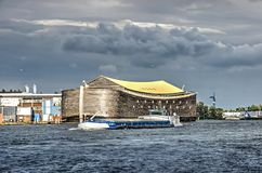 Noah ` s arka i głąb lądu barka obrazy stock