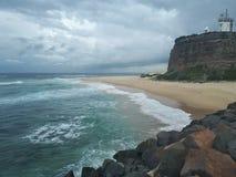 Nobby& x27 ; Australie de Newcastle de plage et de promontoire de s Photographie stock