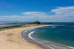 Nobbys海滩在新堡澳大利亚 新堡是澳大利亚的秒 免版税库存图片
