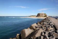 Nobbys fyr - Newcastle Australien Royaltyfri Bild
