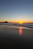 Nobbys fyr på Dawn Newcastle Australia Royaltyfri Bild