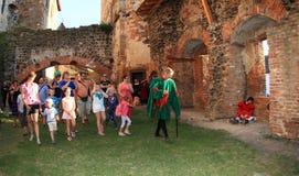 Nobile Puta ed ospiti del castello Immagini Stock