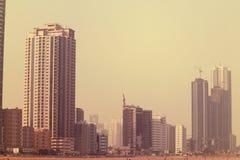 Noble moderne Gebäude von Dubai, UAE 21. Juli 2017 Lizenzfreie Stockbilder