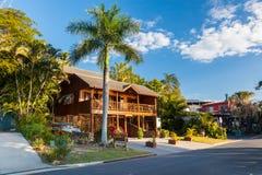 Noble Strandbretterbude bei siebzehn siebzig, Queensland stockbild