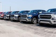 Noblesville - Circa Augustus 2018: Ram 1500 Pick-ups bij het Dodge-handel drijven V stock afbeelding