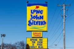 Noblesville - Circa mars 2018: Långt läge för snabbmat för John Silver ` s Lång John Silver ` s specialiserar i stekte fiskmål I Arkivbilder