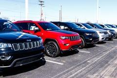 Noblesville - circa marzo de 2018: Jeep Automobile Dealership El jeep es una filial de los automóviles de Fiat Chrysler IV imagen de archivo