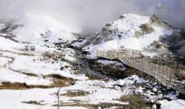Noboribetsu onsen piekło mosta i doliny śniegu zimę Zdjęcia Royalty Free