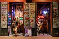 Noc bar w bourbon ulicie Fotografia Royalty Free