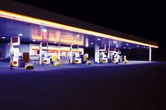noc benzynowa stacja Obrazy Royalty Free