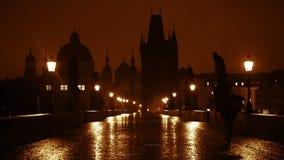 Noc deszcz na Charles moscie swobodny ruch zbiory